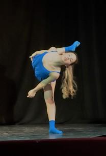Anna danza blu